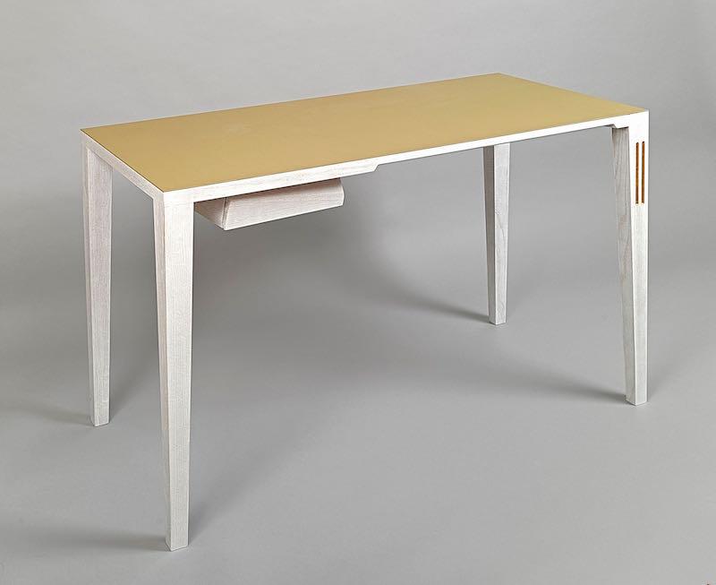 MoPi_Desk_039627